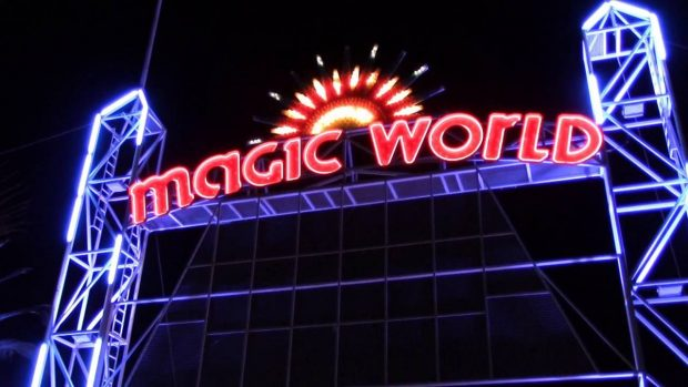 parc d'attraction magic world hyeres
